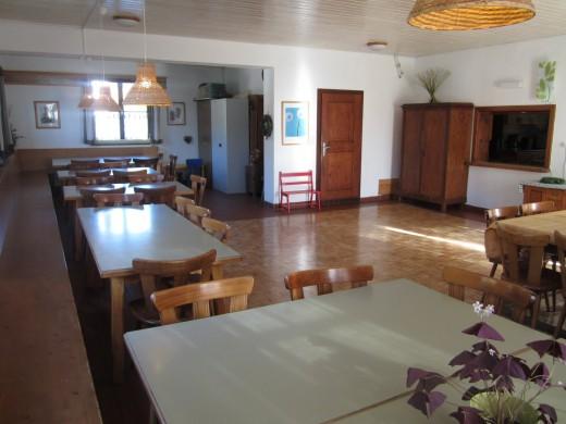 De eetzaal biedt ruimte aan 60 personen