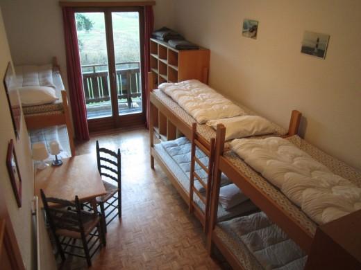 Slaapkamer 2 biedt ruimte aan 6 personen